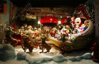 Extravagant Christmas Display Window | ... window during ...