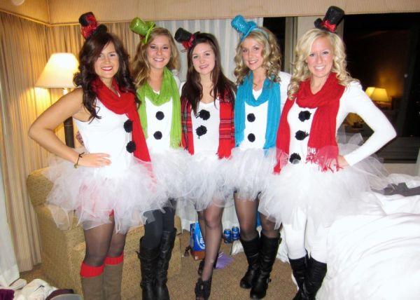 Santa pub crawl! snowwomen love my friends! Unique