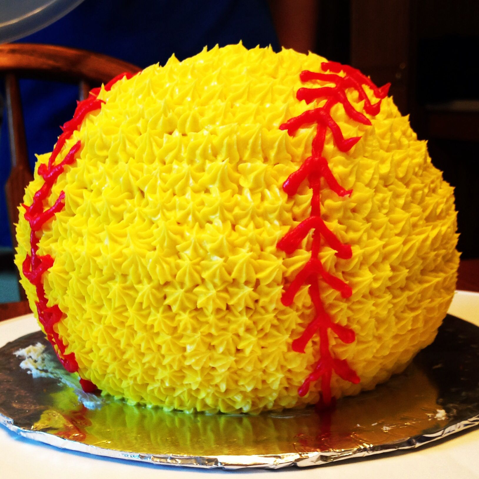 Best 25 Softball Birthday Cakes Ideas