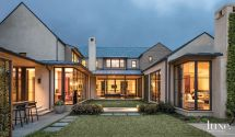 Modern Dallas Home With Courtyard-style Design