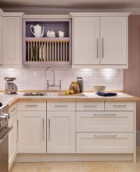 Shaker and classic shaker style kitchens | Kitchens ...