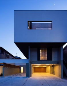 Architect shows concrete  house in fukuoka features  protruding top floor also  plans nd modern design no architecture rh pinterest