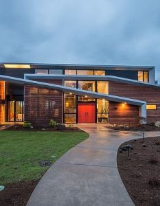 The hemocoel residence is  modern two storey home with narrow roof lines nestled in clyde hill washington usa designed by elemental design also art and rh pinterest