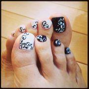 toe nail art abstract design