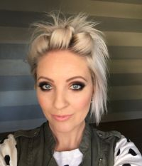 Easy short hair tutorial | beauty | Pinterest | Short hair ...