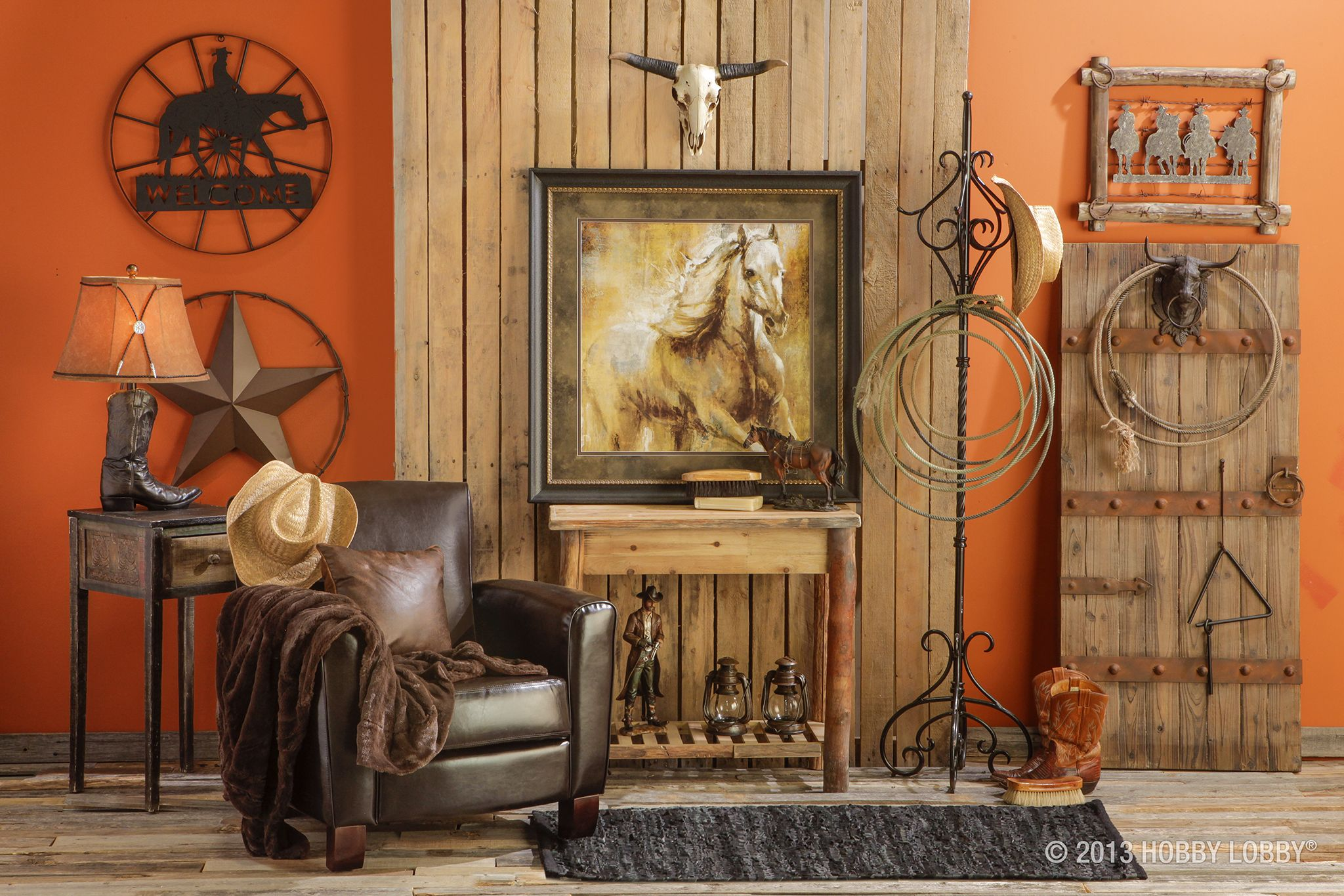 We love the use of old and new in this western retreat