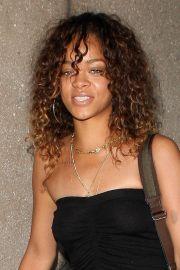 rihanna hair & beauty icon brown