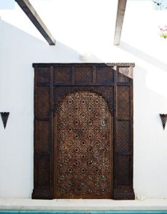 Outdoor old indian door used as  pool garden gate entrance love the modern work combo found at design mix furniture on la brea also inspiration portes du monde elaa decoration doors  windows rh za pinterest