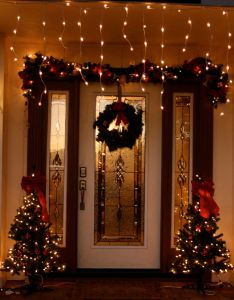Decorated christmas house also homes pinterest rh