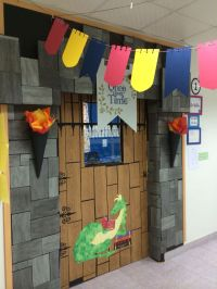Castle theme classroom door. | Bulletin board and door ...