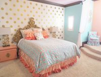 Coral, Mint, and Gold Room Design