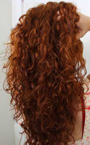 gorgeously long curly hairstyles