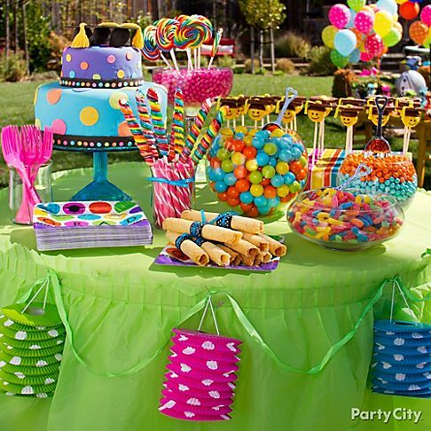 13 Colorful High School Graduation Party Ideas Party City The