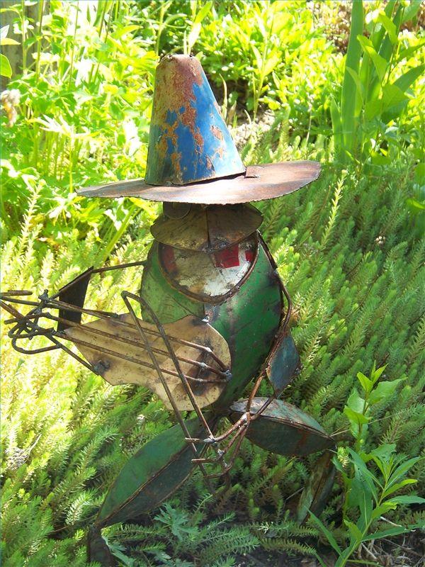 Ideas For Garden Art From Junk Jardins Art Des Jardins Et Violon