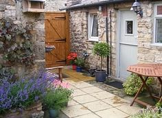 Tiny Courtyard Ideas Google Search Small Interior Courtyards