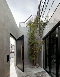 Idea for the backyard entrance to multipurpose room house in kitasando  also pin by carlos corchado castillo on pinterest asian doors rh