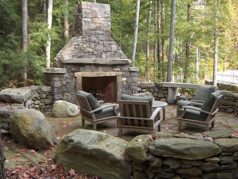 Country Patio With Outdoor Seating Area Natural Stone Retaining