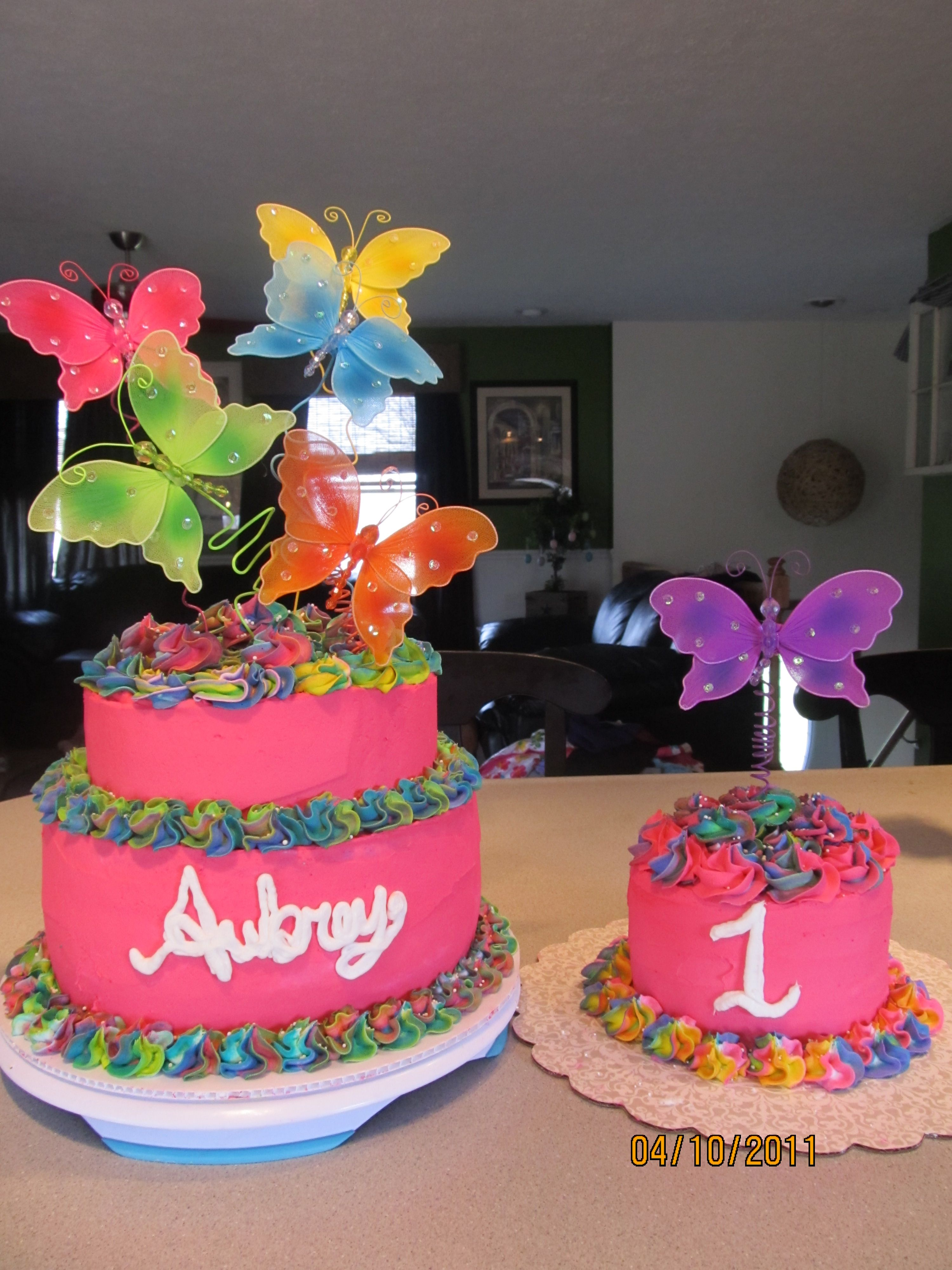 Girl S First Birthday Butterfly Cake With Tye