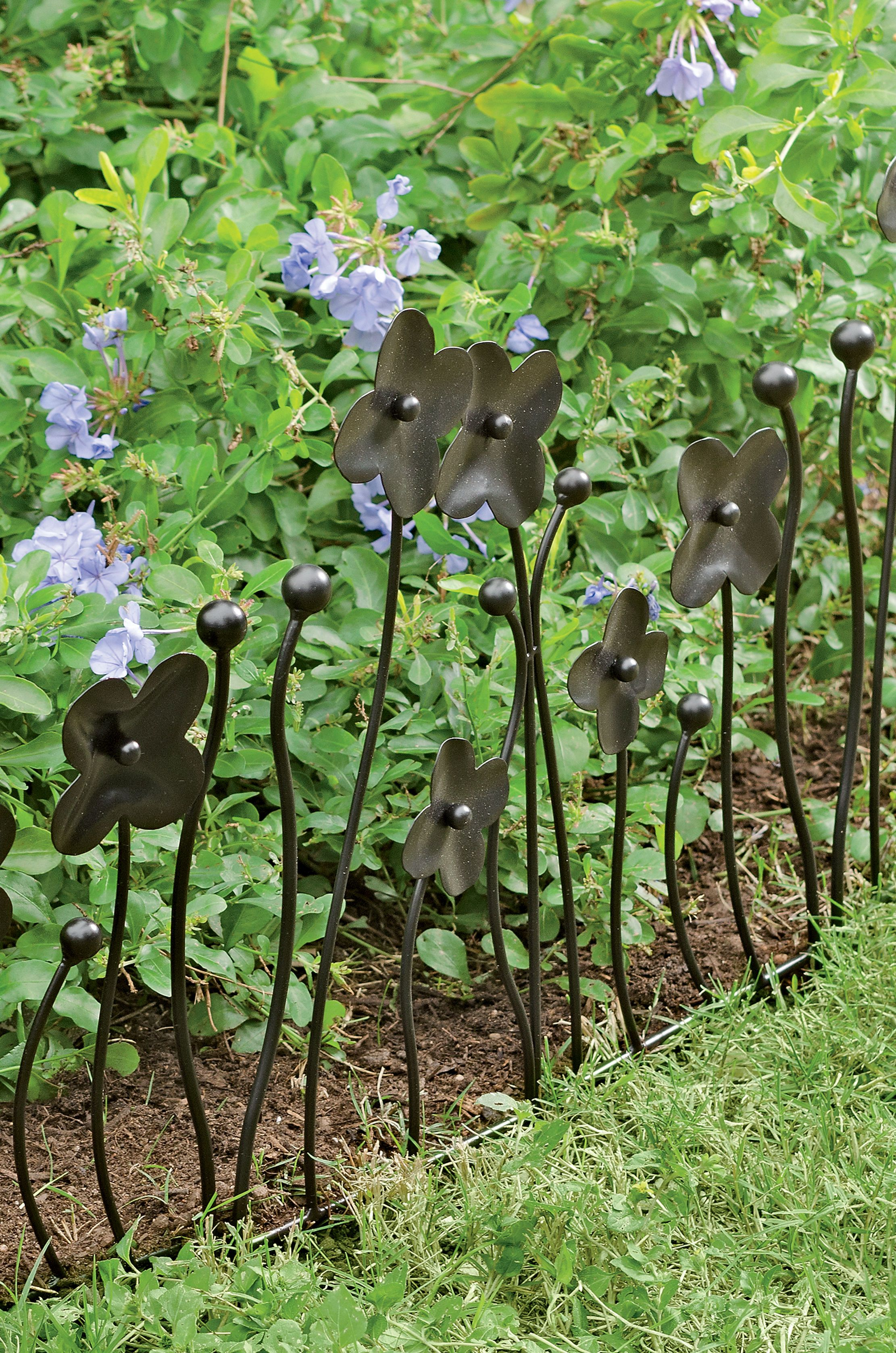 Lovely Idea To Keep Dogs Out Of The Garden!! Garden Border Fencing