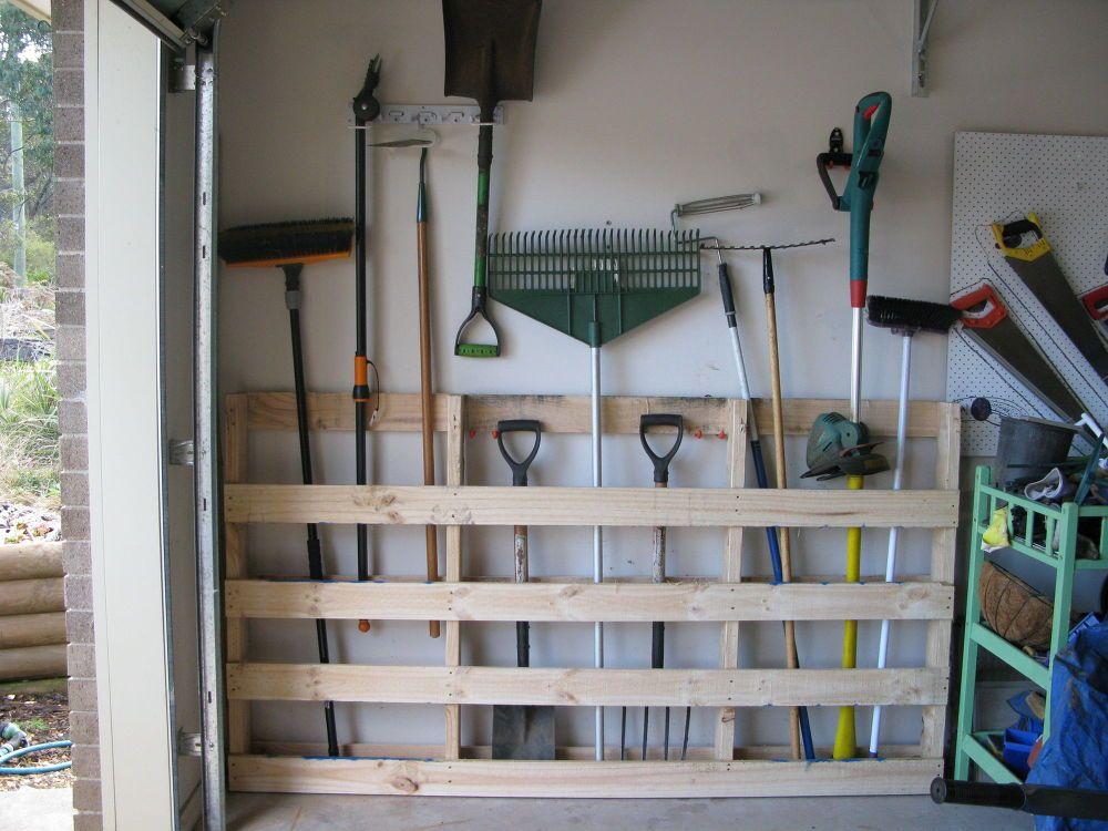 Garage Storage For Garden Tools From Old Pallet Gardens Olds