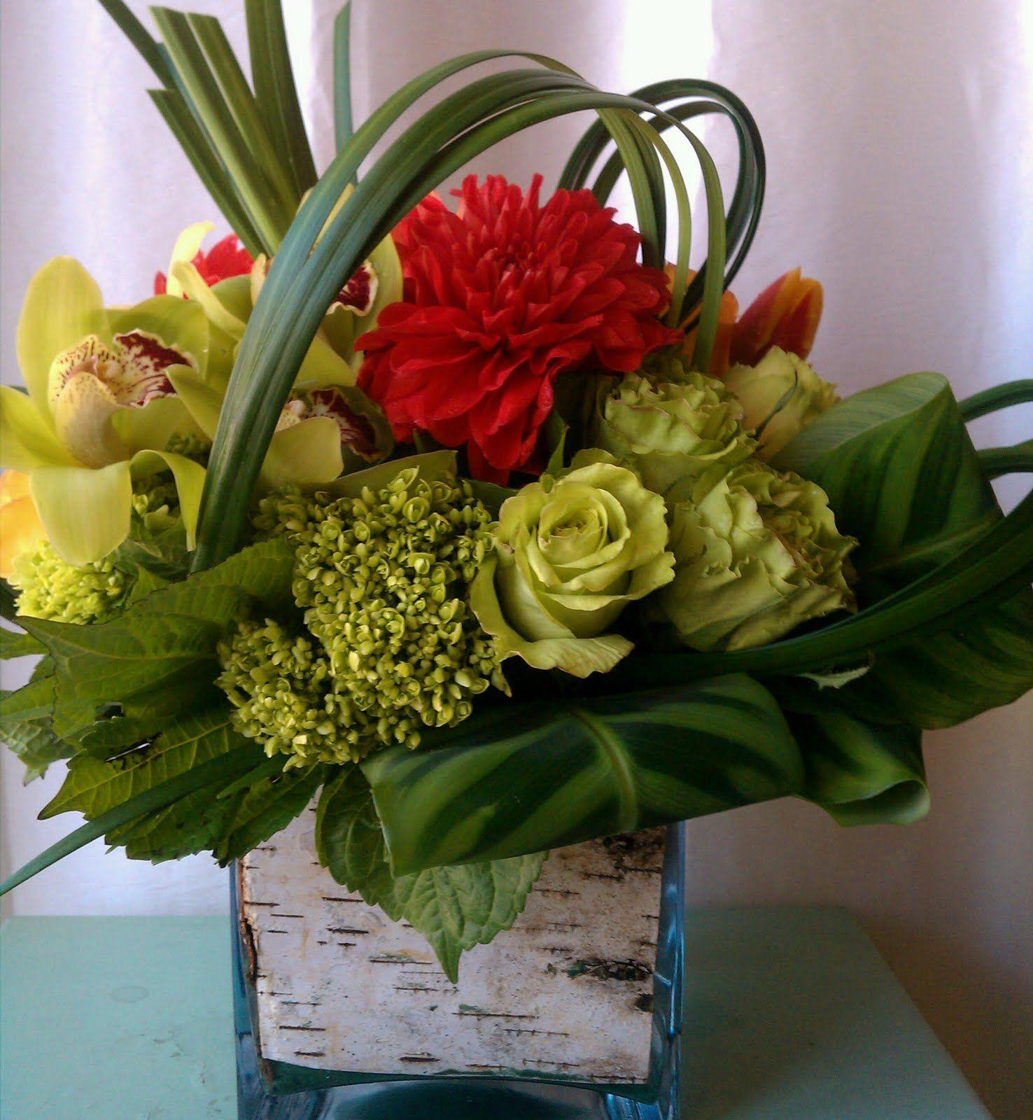 Flower arrangements on Pinterest  Flower Arrangements Daisy Centerp
