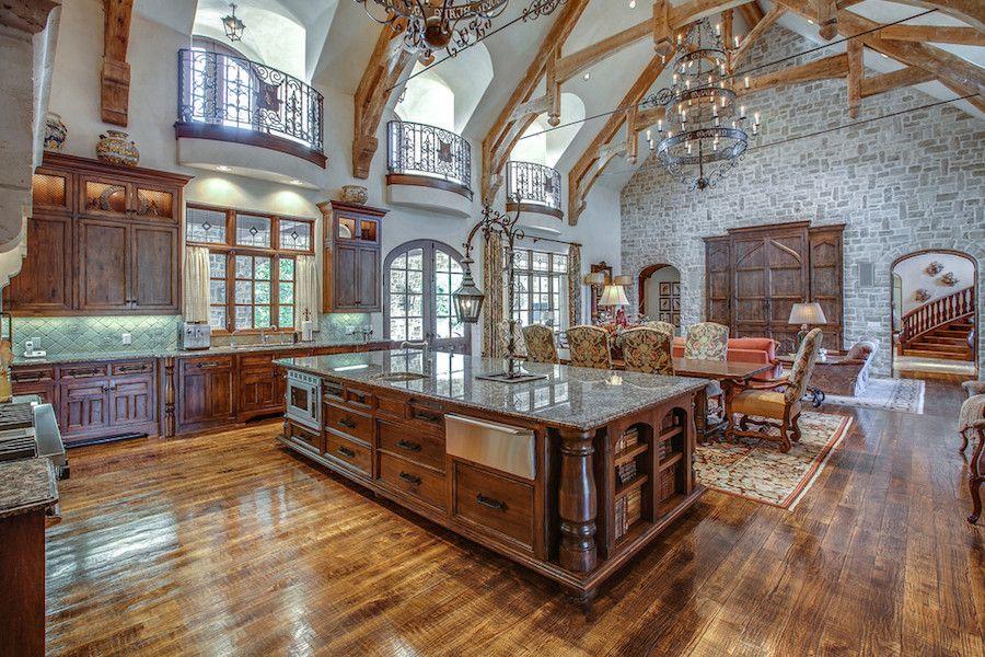 Luxury Open Concept Kitchen