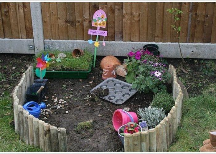 Involve your kids in gardening this year no matter how old they are here excellent ideas for with from toddlers to teenagers also let the children play adding natural elements
