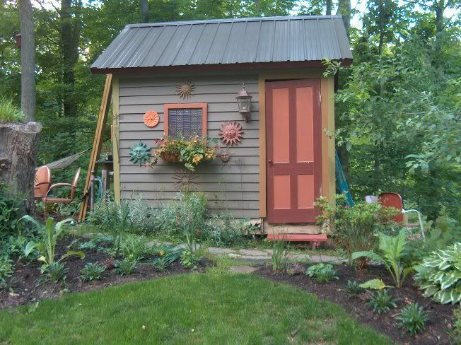 Lotta Cute Garden Shed Ideas Here Garden Pinterest Gardens