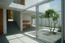 Modern House Design with Courtyard