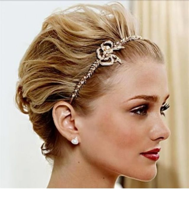 Short Formal Hairstyle Love The Headband Grad Idea