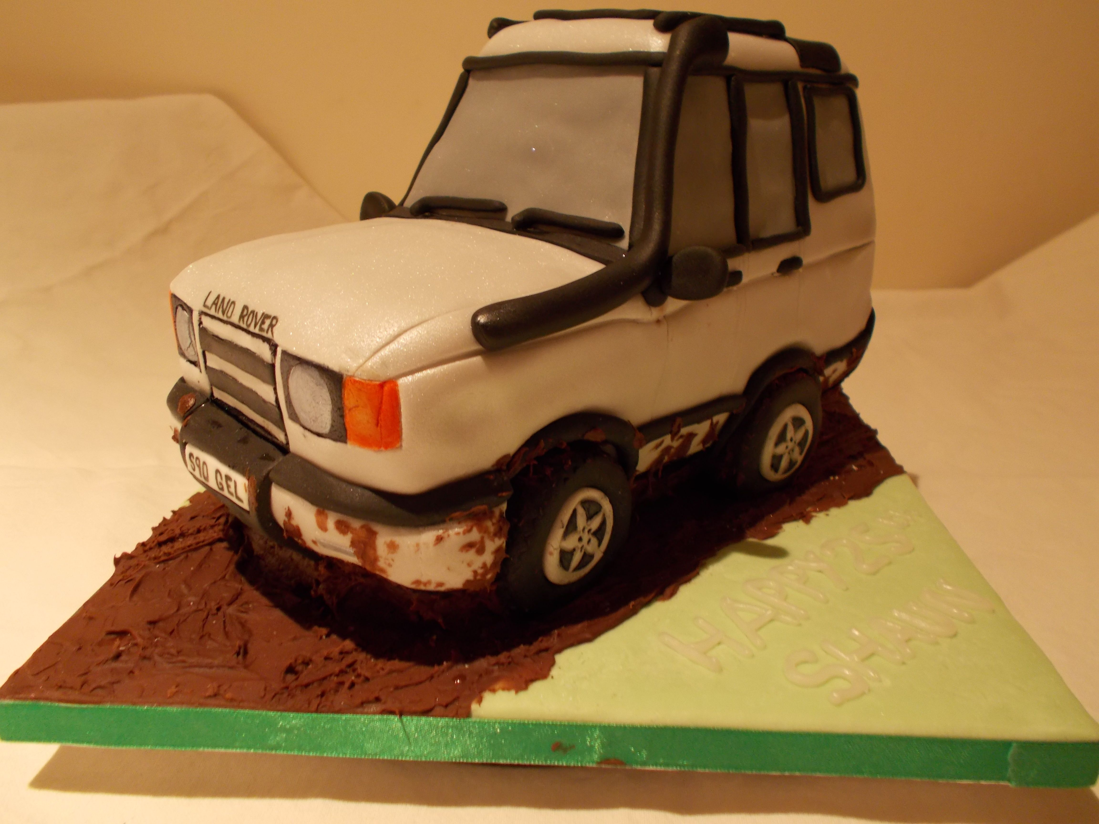 Land Rover Discovery by Scrumptious Cakes Minehead