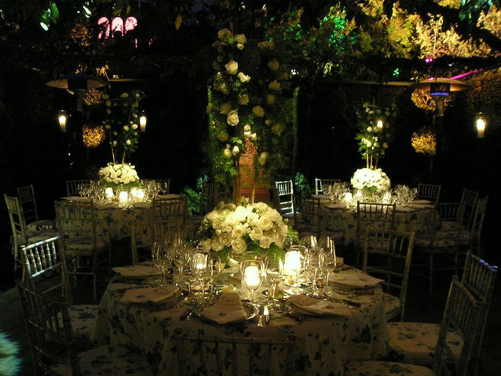 Night Garden Wedding Pretty The Table Cloths Are A Little Too