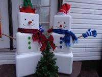 Styrofoam Cooler Snowmen... Great use for styrofoam ...