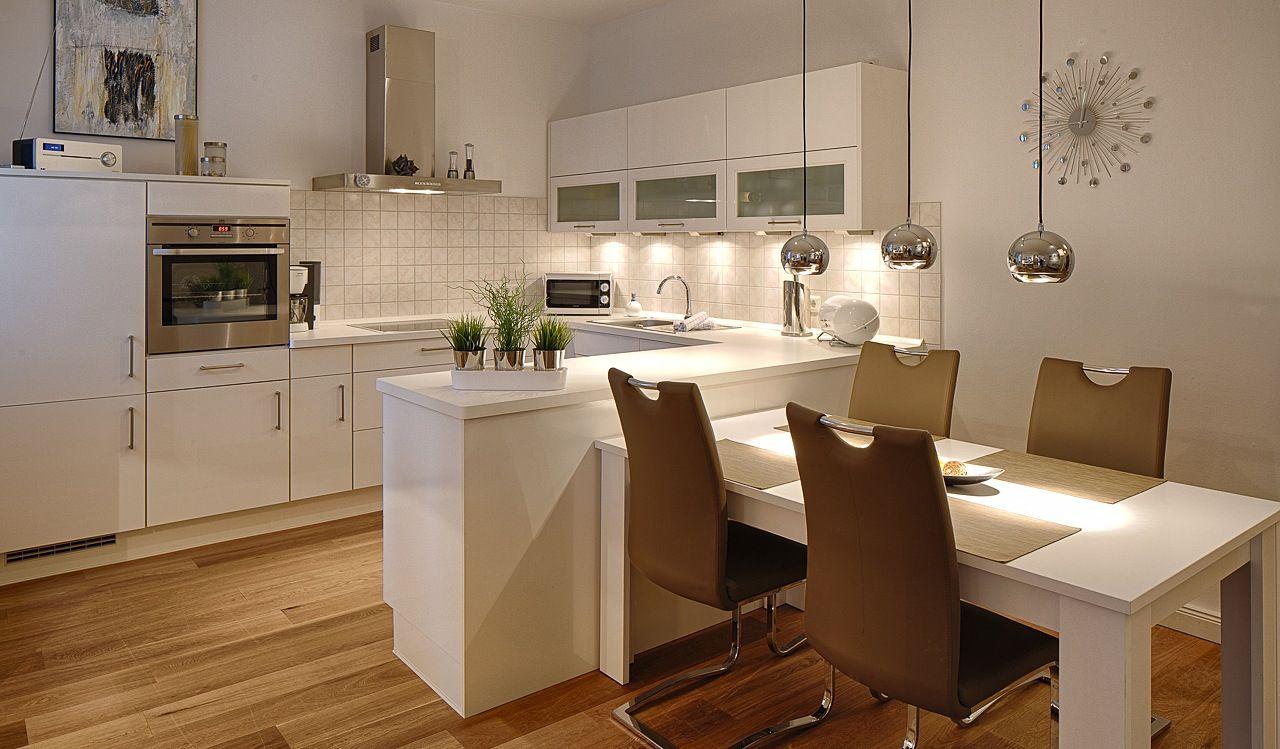 Kche mit integriertem Tisch  Kche  Pinterest  Integriert Tisch und Kchenmbel