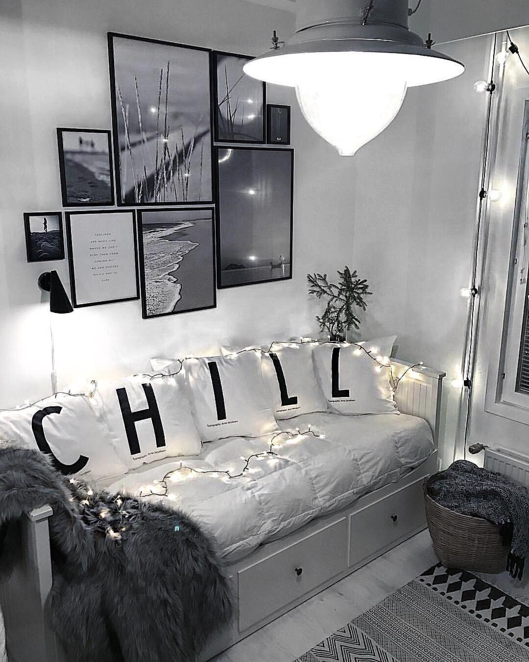 Black and white lounge room also vedi la foto di instagram fashionlandscape  piace  rh pinterest