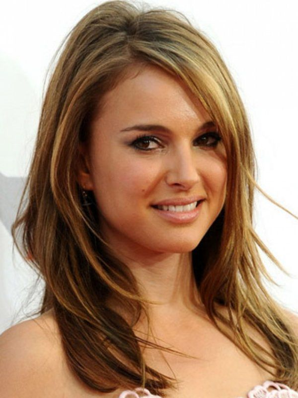25 Beautiful Medium Length Haircuts For Round Faces Layered