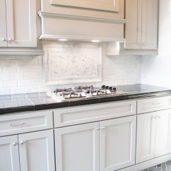 Kitchen Cabinet Patterns Banquette Bench This Striking Marble Backsplash Pairs Well With These