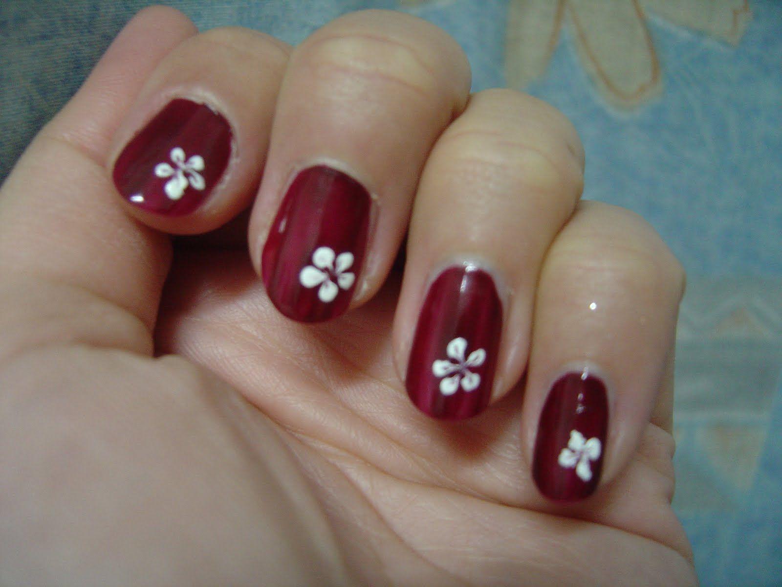 simple cute Nail Design Flower