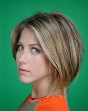 jennifer anniston layered haircuts