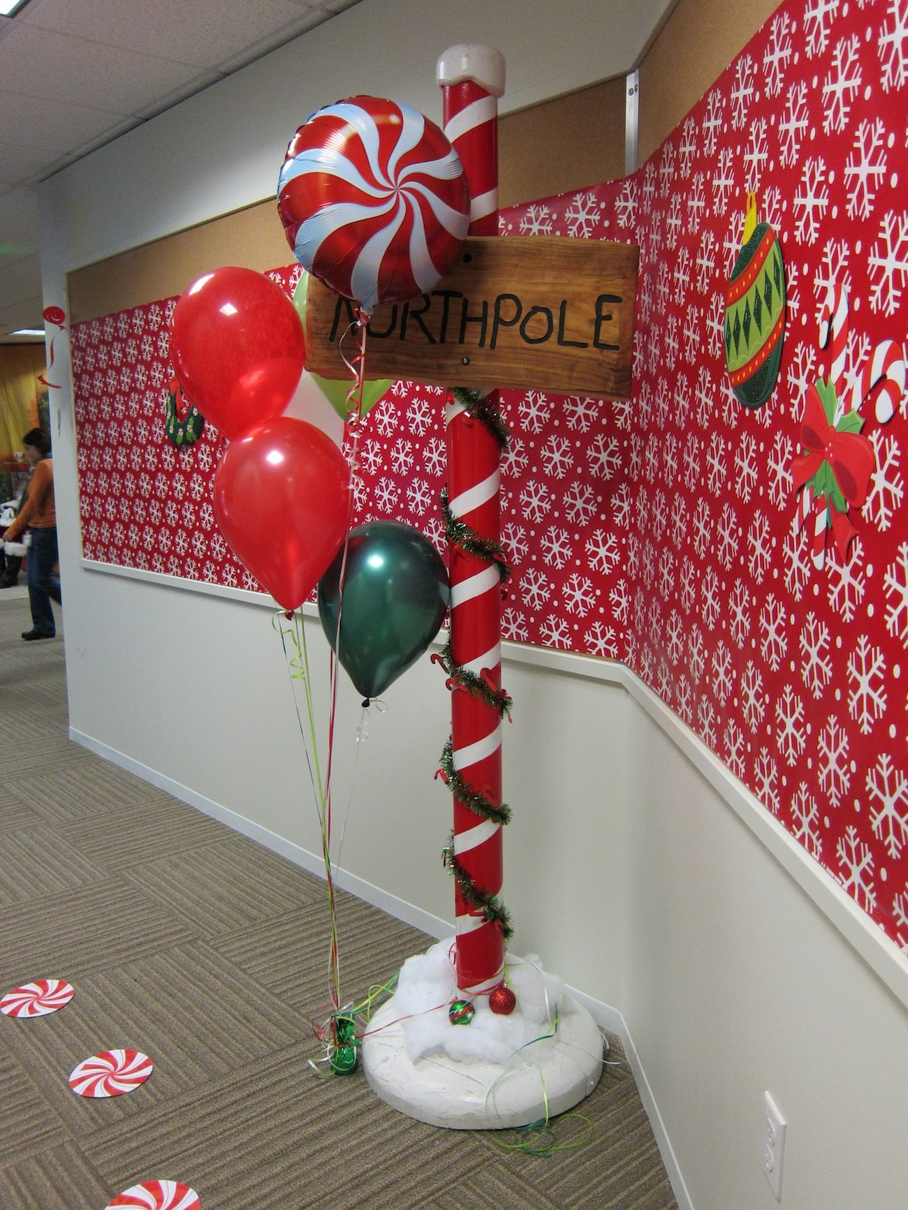 gingerbread village christmas door decorating ideas