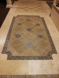 Tile floor design idea for the entry way