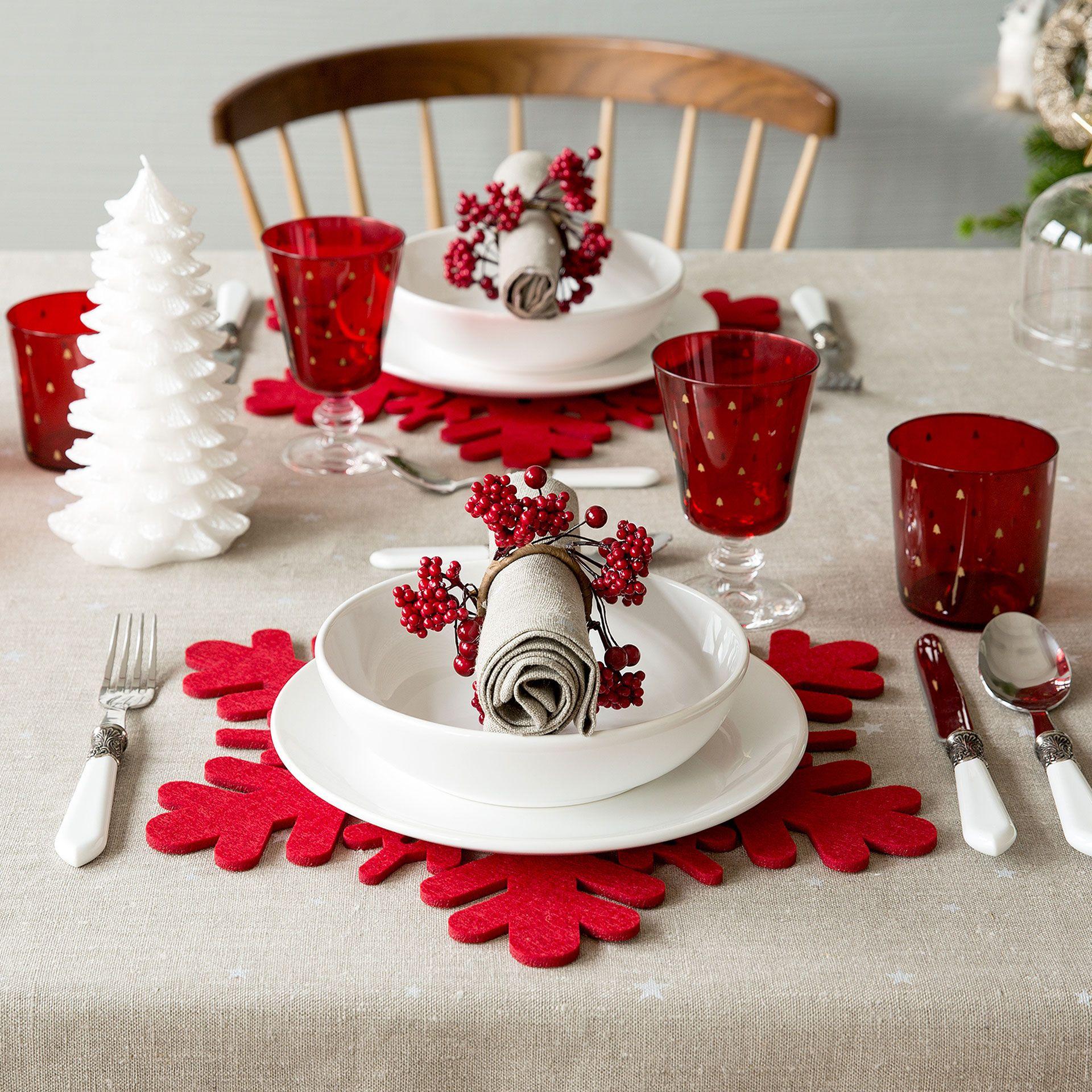 Individual fieltro rojo copo nieve  Mesa  Navidad  Zara Home Espaa  Bao  Pinterest  Fieltro rojo Nieve y Zara