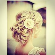 cute country girl hairstyle wedding