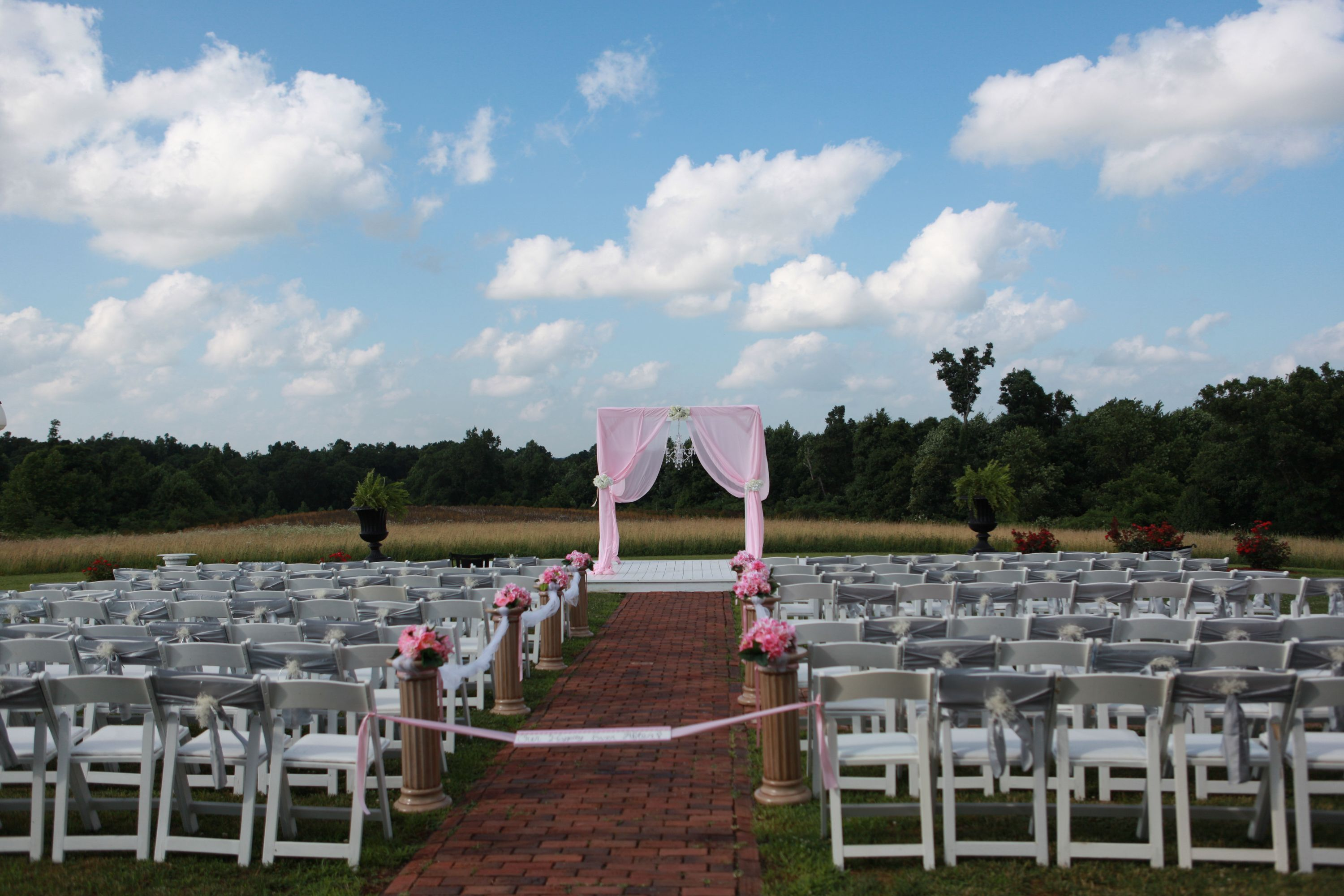Ceremony decor  Country Plantation House Greenville KY Photography by Cassie Peech  Co  My