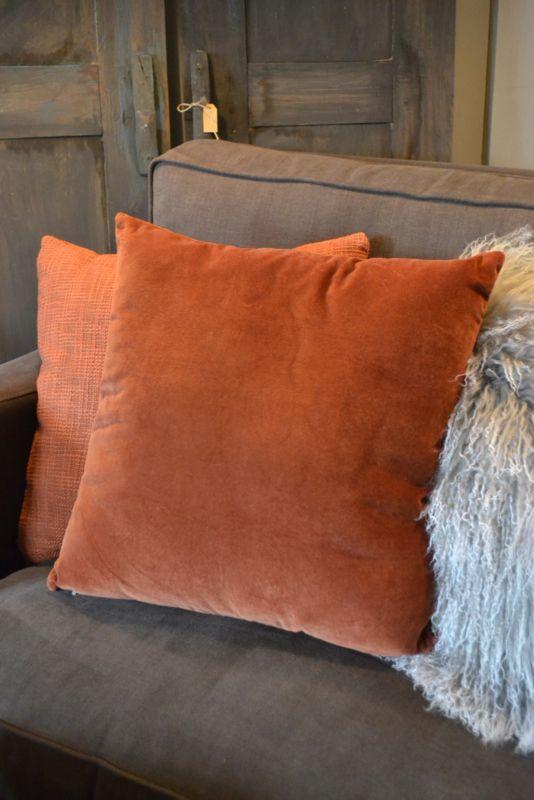 Mooi kussen velours oranje  woonaccesoires  Pinterest