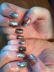 animal print gel nail art