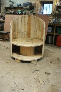 Reclaimed Cable Drum & Pallet Wood Into Chair | Pallet ...