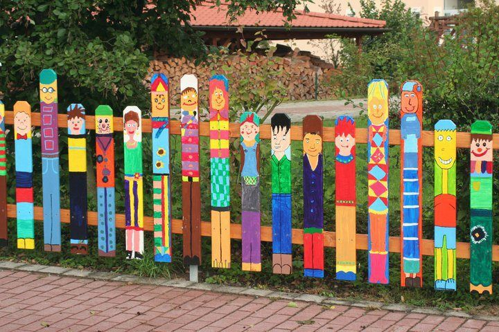 "This Mural Takes The Idea Of ""white Picket Fence"" To A Whole New"