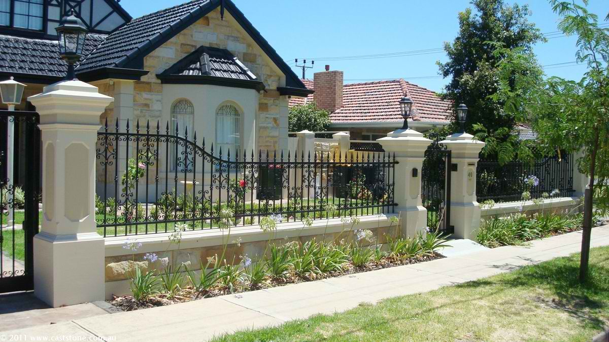 Fascinating Fence Landscape Idea Using Iron Fence With Gate And