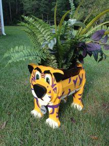 Wooden Animal Planter - Lsu Mike Tiger Cutsncrafts